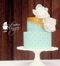 Featured Wedding Cake: Fondant Flinger; Daily Wedding Cake Inspiration (New!). To see more: http://www.modwedding.com/2014/07/29/daily-wedding-cake-inspiration-4/ #wedding #weddings #wedding_cake Featured Wedding Cake: Fondant Flinger