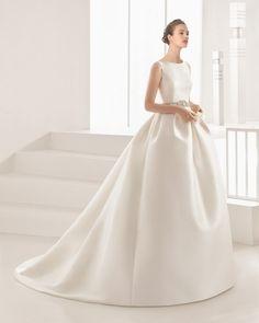 Rosa Clara Delfos Wedding Gown