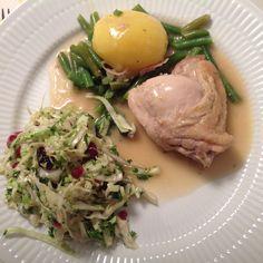 Kylling-au-vin med spidskålssalat