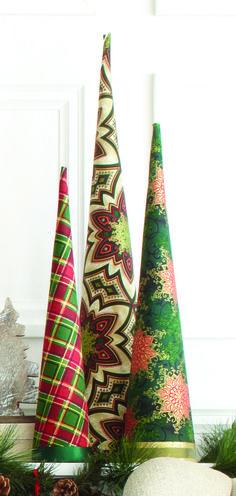 A modern Christmas tree, great for small spaces • Un arbre de noël moderne, parfait pour les espaces restrient