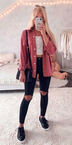 Teen Fashion Outfits, Look Fashion, Outfits For Teens, Female Outfits, 2000s Fashion, Fashion History, Modest Fashion, Winter Fashion, Cute Casual Outfits
