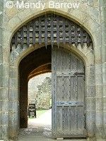 images of castle doors Facts About Castles, Castles Topic, Castle Parts, Castle Doors, 3 Arts, Art Lessons, Mirror, Image, Kids