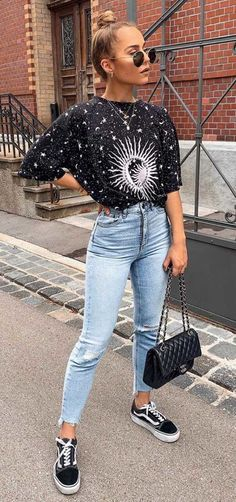 15 looks para quem ama t-shirt - Guita Moda Cute Casual Outfits, Stylish Outfits, Girl Outfits, Fashion Outfits, Womens Fashion, Fashion Trends, Casual Wear, Dress Outfits, Fashion Design