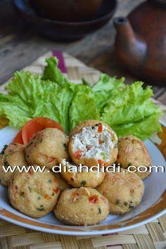 Diah Didi's Kitchen: Tahu Mambo Tofu Recipes, Asian Recipes, Cooking Recipes, Ethnic Recipes, Indonesian Cuisine, Indonesian Recipes, Diah Didi Kitchen, High Tea, Food And Drink