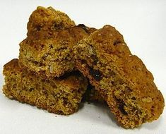 If there is one rusk recipe you have to try, this is it! It has to be the most versatile recipe out there, which mean you can personalise it to suit your taste or mix it up for somethi… South African Dishes, South African Recipes, Kos, Rusk Recipe, Recipe For Rusks, Recipe Hub, Buttermilk Rusks, Hard Bread, Healthy Breakfast Snacks
