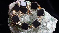 Pulseira em pedra natural Ágata preta  Banhado a ouro R$ 24,99