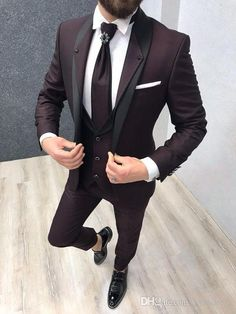 Collection: Spring – Summer 2019 Product: Slim-Fit Suit Vest Color Code: Claret Red Size: Suit Material: Viscose, Poly Machine Washable: No Fitting: Slim-fit Package Include: Coat, Vest and Pants Only Wedding Dresses Men Indian, Wedding Dress Men, Wedding Tuxedos, Men's Wedding Wear, Blazer For Men Wedding, Groom Tuxedo Wedding, Spring Wedding, Terno Slim Fit, Slim Fit Suits