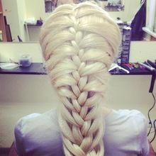 sssooo much hair :D