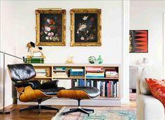 Antika möbler och modern design, ny konst och gamla oljemålningar – i de rymliga rummen möts då och...