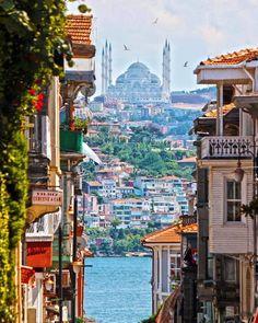 """Greetings from beautiful Istanbul 🥀💓🧡🥀"" Turkey Vacation, Turkey Travel, Places To Travel, Places To Visit, Turkey Places, Capadocia, Destinations, Istanbul Travel, Voyage Europe"
