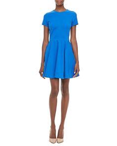 Pin for Later: Les 8 robes que toutes les femmes doivent avoir ! Une robe de jour Diane von Furstenberg shift dress (389 €)