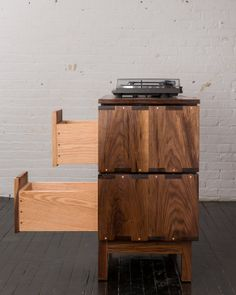 Greenpoint, Brooklyn, NY, USA : Walnut Record Player Stand ~ Krrb