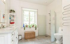 Minienergihus i 1800-talsstil - XNvillan Alcove, Rum, Villa, Bathtub, Bathroom, Design, Standing Bath, Washroom, Bathtubs
