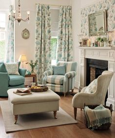Laura Ashley design.  As lovely as my Laura Ashley.....