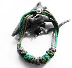 Collana+in+lana+verde+di+SilmieCreations+su+DaWanda.com