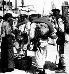 Dispuestos a embarcar en Valencia hacia el Rif, 1909