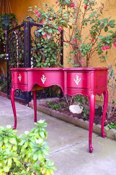 French vanity painted with new milk paint color, kind of a fuchsia pink. Chalk Paint Furniture, Hand Painted Furniture, Funky Furniture, Repurposed Furniture, Shabby Chic Furniture, Furniture Projects, Furniture Makeover, Furniture Removal, Furniture Stores
