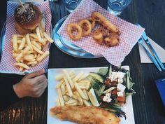 DINNER at @kinggeorgefishandgrill  #Geelong #geelongfood #Goodfood #geelongwaterfront #food #instafood #foodie #eat #taste #burger #burgers #fish #seafood #ocean #waterfront #geelongwaterfront #yum #instafood #vsco #picofday #instapic by grub_guide http://ift.tt/1JtS0vo