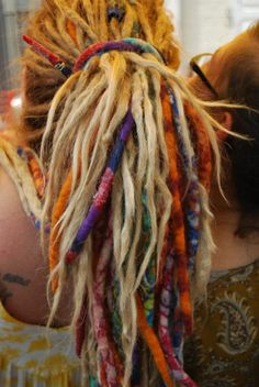 Color dreads Simply Me in 2019 Dyed dreads, Dreadlock white color dreadlocks - White Things Dyed Dreads, Dreadlocks Girl, Dread Wraps, Dreadlock Styles, Dreads Styles, My Hairstyle, Pretty Hairstyles, Bohemian Hairstyles, Teil Dreads