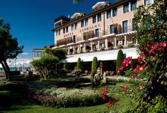 Located at the tip of the Giudecca Island, Belmond Hotel Cipriani is just a short, spectacular boat ride from St. Marks Square. The hotel offers 95 luxurious rooms and suites spread between the main hotel building and Palazzo Vendramin, a 15th-century building linked to the Hotel Cipriani through an ancient courtyard and flowered passage-way.