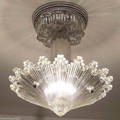 Art Deco Chandelier, Art Deco Lamps, Antique Chandelier, Antique Lighting, Chandeliers, Art Deco Lighting, Chandelier Lighting, Lighting Ideas, Outdoor Lighting