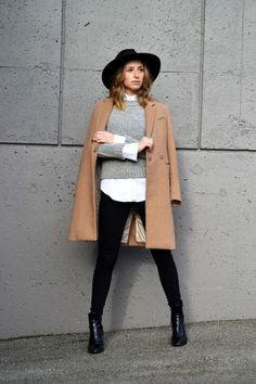 Fedora outfit, fedora hats, camel coat outfit, winter coat outfits, f Fedora Outfit, Camel Coat Outfit, Fedora Hats, Outfits With Hats, Mode Outfits, Casual Outfits, Mantel Camel, Look Fashion, Womens Fashion
