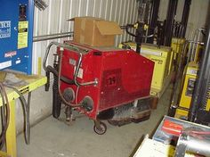 #usedforklifts #materialhandling #factorycat Factory Cat 29 Used Forklift / Year: 2000 / Mast: 0 / 0 / W/24V BATTERY, SCRUBBER, HAND HELD SPRAYER - CALL 952-492-3900