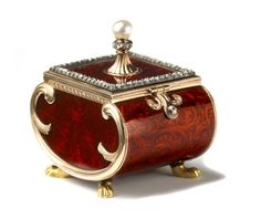 Faberge from a private collection that was exhibited at Wartski in May 2012 to coincide with The Queen's Jubilee.