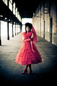 1000 images about beatle juice on pinterest beetlejuice for Lydia deetz wedding dress
