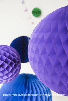 Paars honeycomb ball