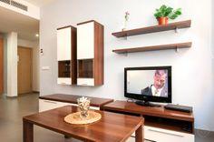 Great price for an apartment in Barcelona. Daily Deals, Beach House, Condo, Barcelona, Villa, Home, Beach Homes, Ad Home, Barcelona Spain