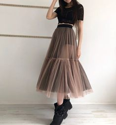 Tulle skirt with two colors sheer skirt mesh skirt two Look Fashion, Skirt Fashion, Fashion Outfits, Fashion Design, Modest Fashion, Fashion Women, Casual Outfits, Mode Outfits, Skirt Outfits