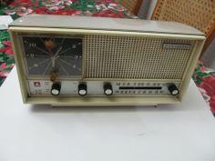 VINTAGE PANASONIC AM-FM  CLOCK RADIO # RC-721 & MANUAL.RARE!
