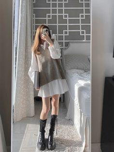 Korean Girl Fashion, Ulzzang Fashion, Korean Street Fashion, Kpop Fashion Outfits, Mode Outfits, Asian Fashion, Kawaii Fashion, Cute Fashion, Trendy Fashion