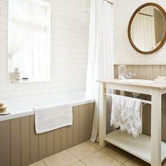 Bathroom | traditional | House tour | 1930s house | PHOTO GALLERY | 25 Beautiful Homes | housetohome