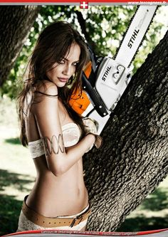 Nude women and chain saws photo 568