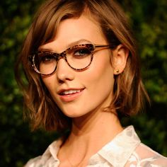 Glasses make these celebrities look even more fabulous! See for yourself: