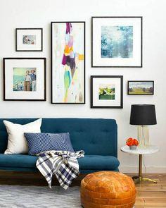 Composición de cuadros en la pared