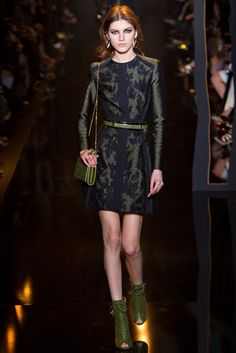 Elie Saab Fall 2015 Ready-to-Wear Fashion Show - Valery Kaufman (Elite)
