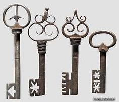 Vintage keys - any one of these would make for a fine pendant on a silver or bronze chain. Or why not all of them at once?