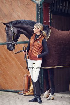 Nice use of colour with this location too, really compliments the clothing and horse rug