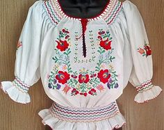 Traditional white Matyo Hungarian Hand Embroidered folk art blouse S, M, L size Peasant Blouse, Blouse Dress, Blouse Vintage, Vintage Dresses, Hungarian Embroidery, Beautiful Blouses, Embroidered Blouse, Blouses For Women, Etsy