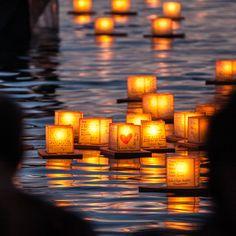 Floating Lantern Festival at Ala Moana Beach Park in Honolulu, Hawaii >>> a beautiful shot. I had no idea they had a floating lantern festival there!