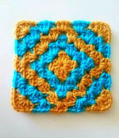 Learn how to crochet the class  