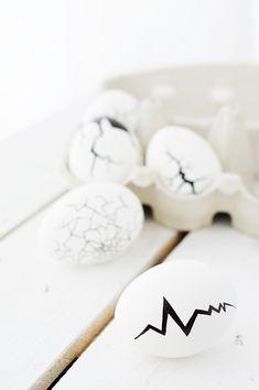 Easter mishap | DIY CRACKED EASTER EGGS