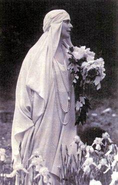 Königin Marie von Rumänien, Queen of Romania Princess Alexandra, Princess Beatrice, Princess Victoria, Queen Victoria, King Queen Prince Princess, Maud Of Wales, Royal Beauty, English Royalty, Save The Queen