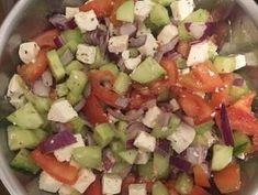 Görög saláta csirkemellel | Puszedly receptje - Cookpad receptek Mexican, Ethnic Recipes, Food, Essen, Meals, Yemek, Mexicans, Eten