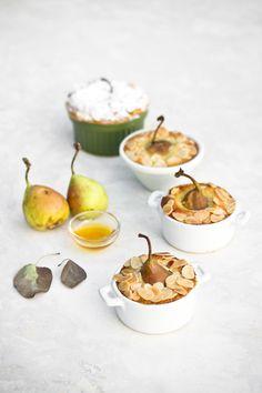 Mandel-Kokos-Pasteten mit Honig- und Vanillebirnen