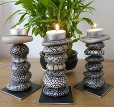 Pebble Painting, Pebble Art, Stone Painting, Rock Painting, Pebble Mosaic, Diy Candle Holders, Diy Candles, Diy Candle Stand, Candle Wax