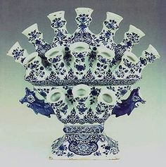 LARGE TIERED DELFT TULIPIER ~Delfts blauw Tulpenvaas (Vase for tulips )